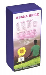 https://www.yogabox.de/Yoga-Hilfsmittel/Yogablock-Basic/Yogaklotz-Yoga-Block-high-density-lila.html