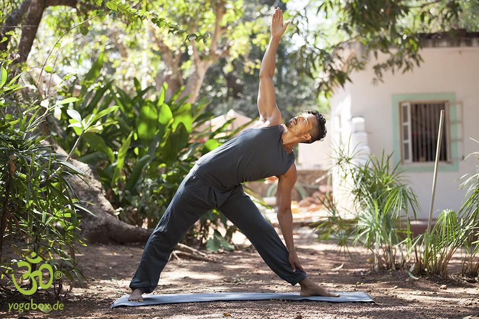 Iyengar-Yoga – mit Hilfsmitteln besser ans Ziel kommen