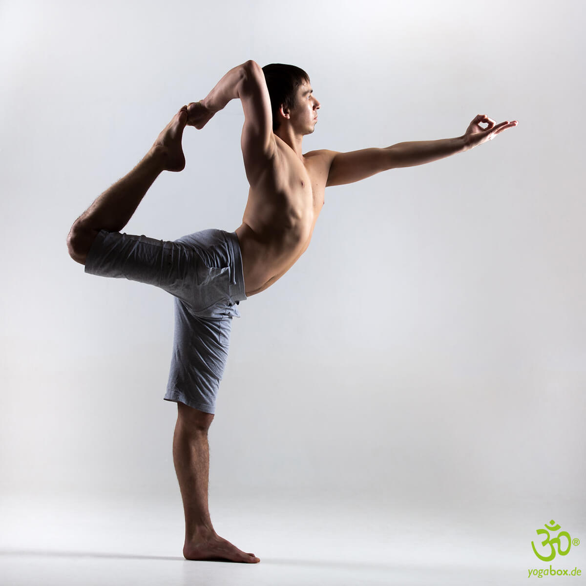 Shivas Tanzhaltung (Natarajasana)