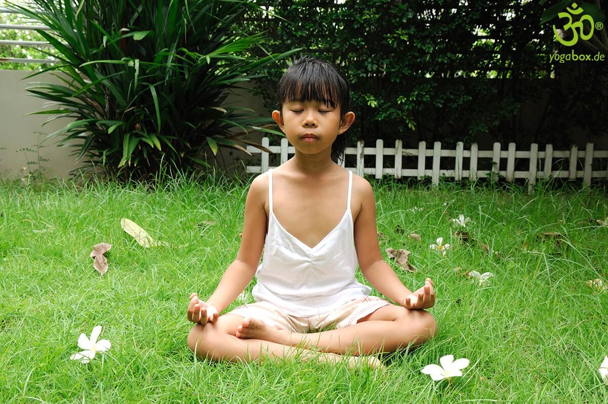 Sitzhaltungen im Yoga: wie du entspannt sitzen und meditieren kannst