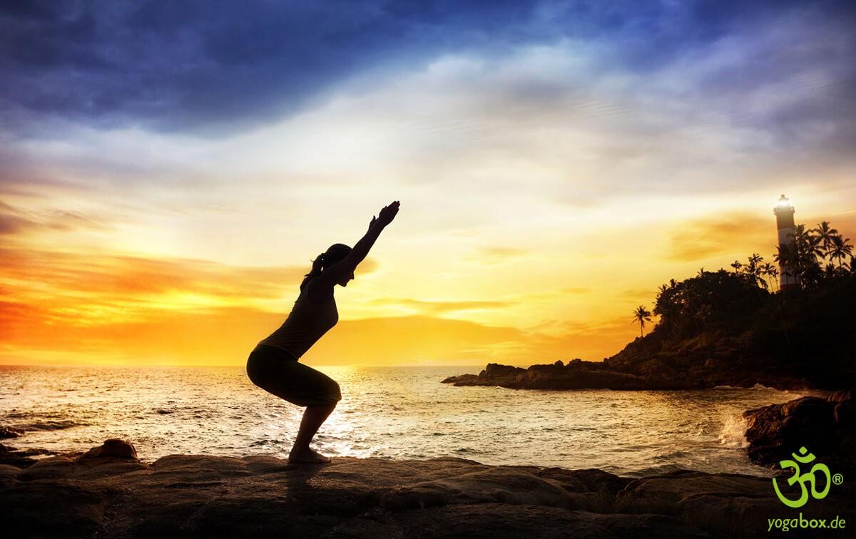 Yoga Standhaltungen: Die kraftvolle Haltung (Utkatasana)