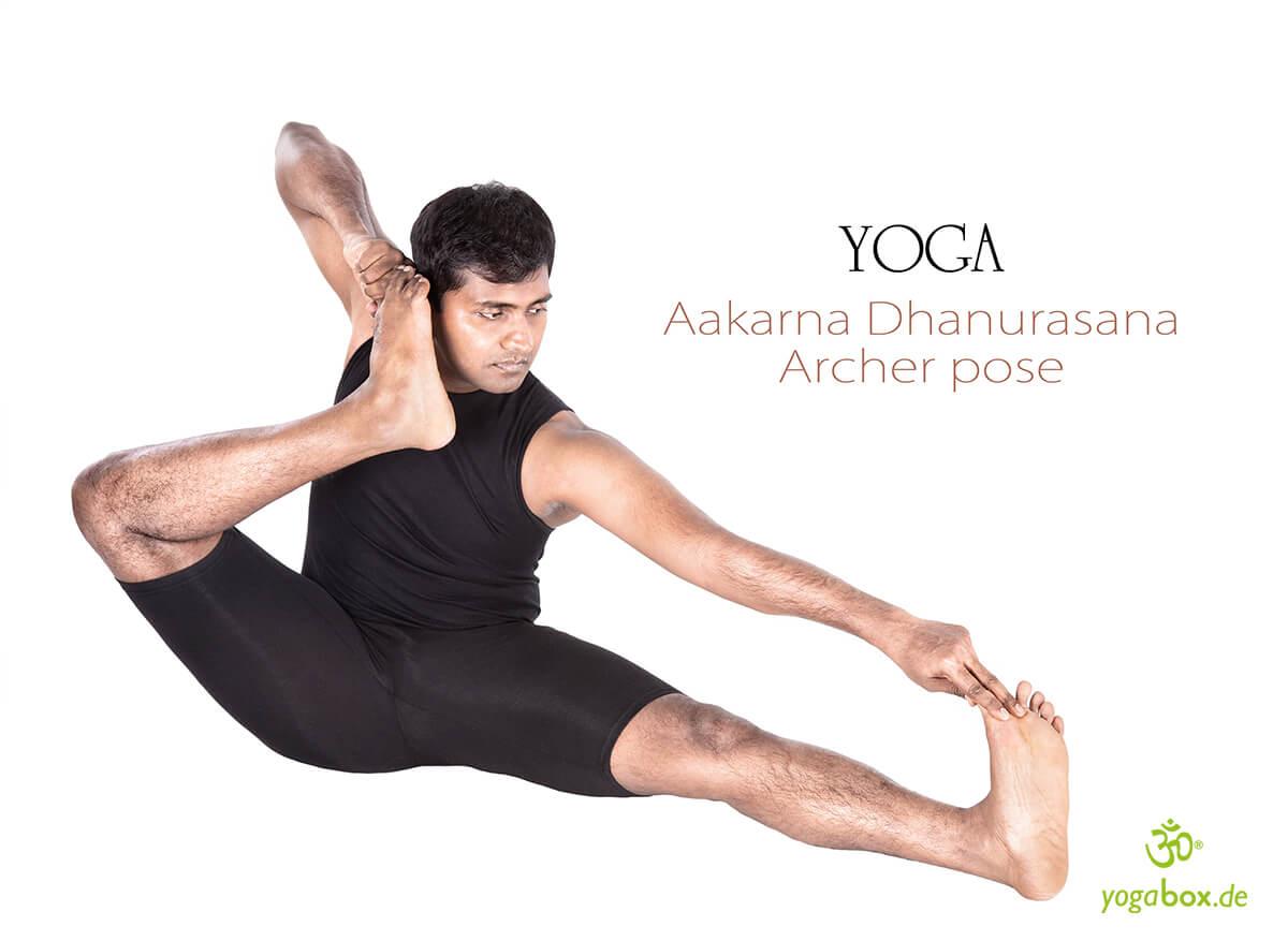 Akarna Dhanurasana - Pfeil und Bogen
