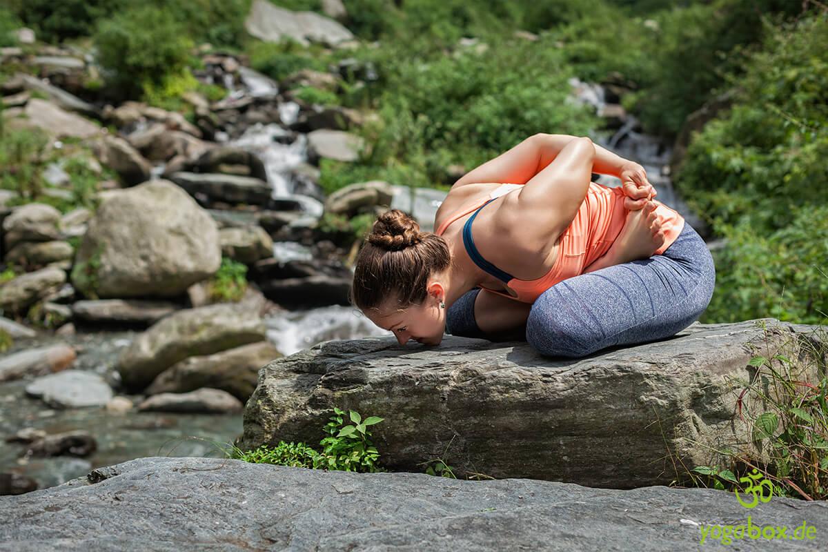 Yoga Mudrasana - Mit Körper und Geist mit allem verbunden