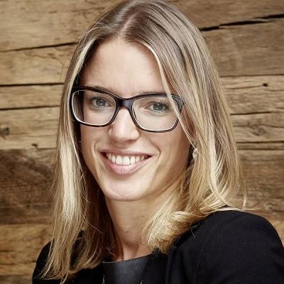 Elisabeth Mauracher: Geschäftsführerin & Yoga Instruktorin