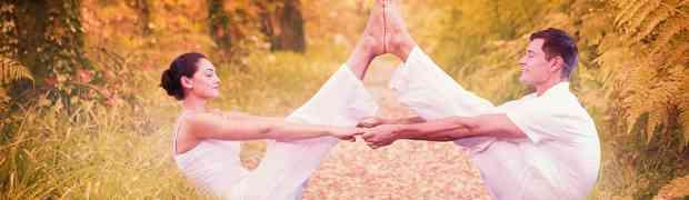 Yoga Übungen zu zweit