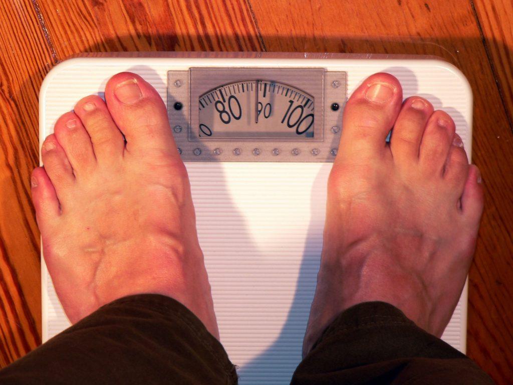 Yoga mit Übergewicht: Stärke Deinen Körper mit einem ganzheitlichen Workout